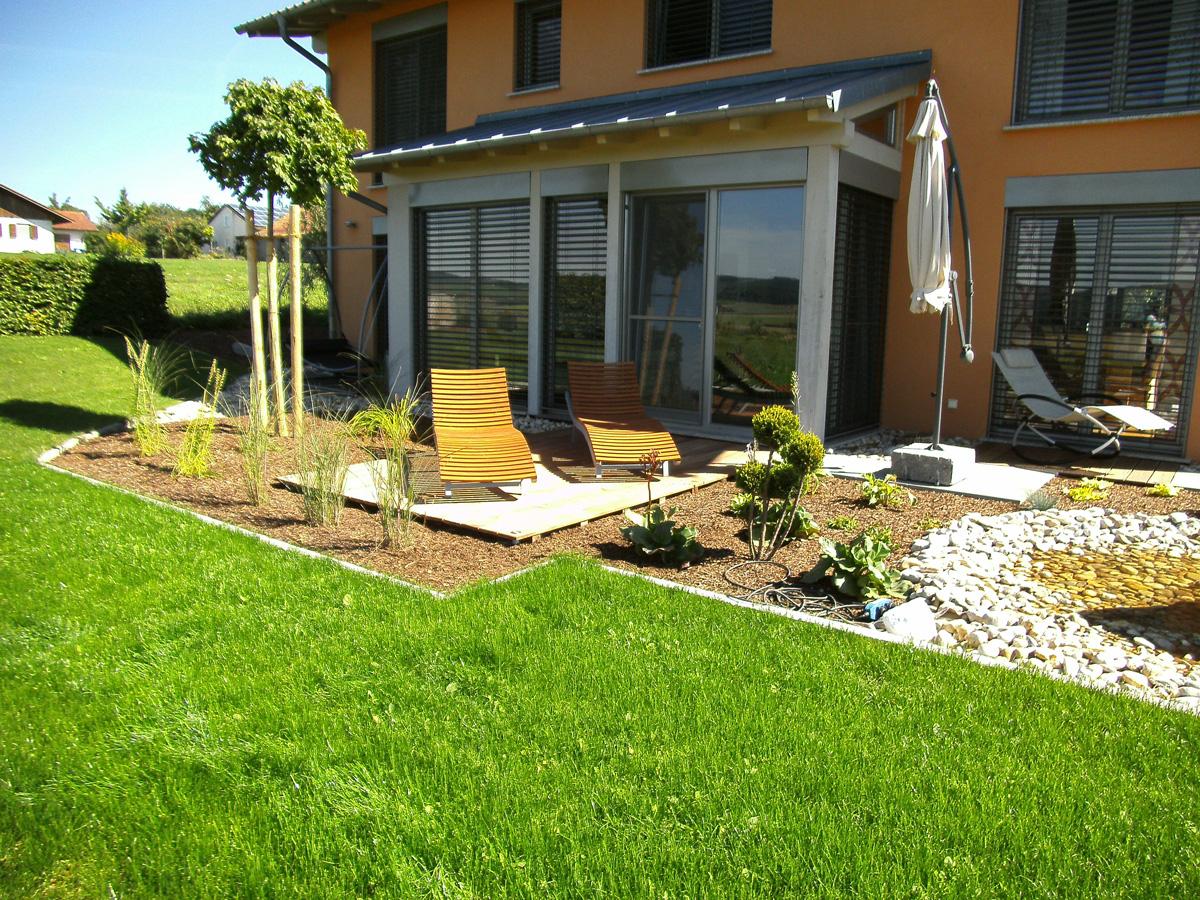 Gartenanlage Kiesbeet Quellsteinanlage Liegeplatz Rasenanlage Pflanzarbeiten Garten Premm Roding