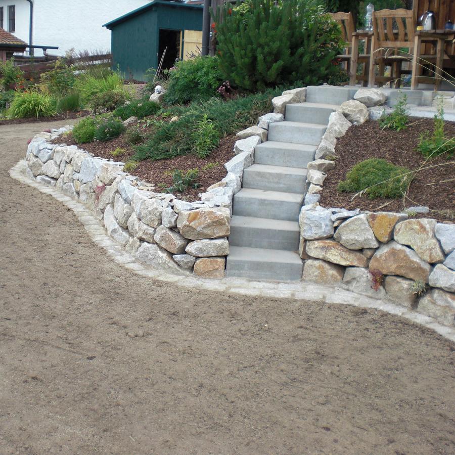 Trockenmauer Natursteinmauer Gartentreppe Garten Premm Roding